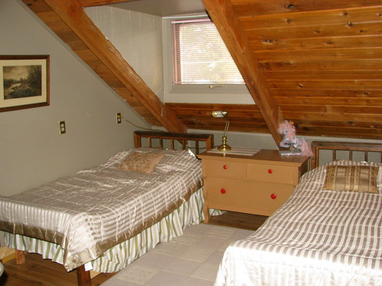 one-of-the-bedrooms-upstairs